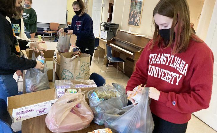 Transylvania University students help ensure local schoolchildren have enough to eat