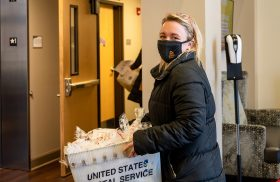 Operation Cookie Drop-Off delivers pre-finals treats to Transylvania students