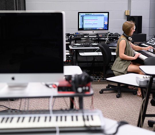 the digital art lab is one of many academic resources on Transylvania University's campus